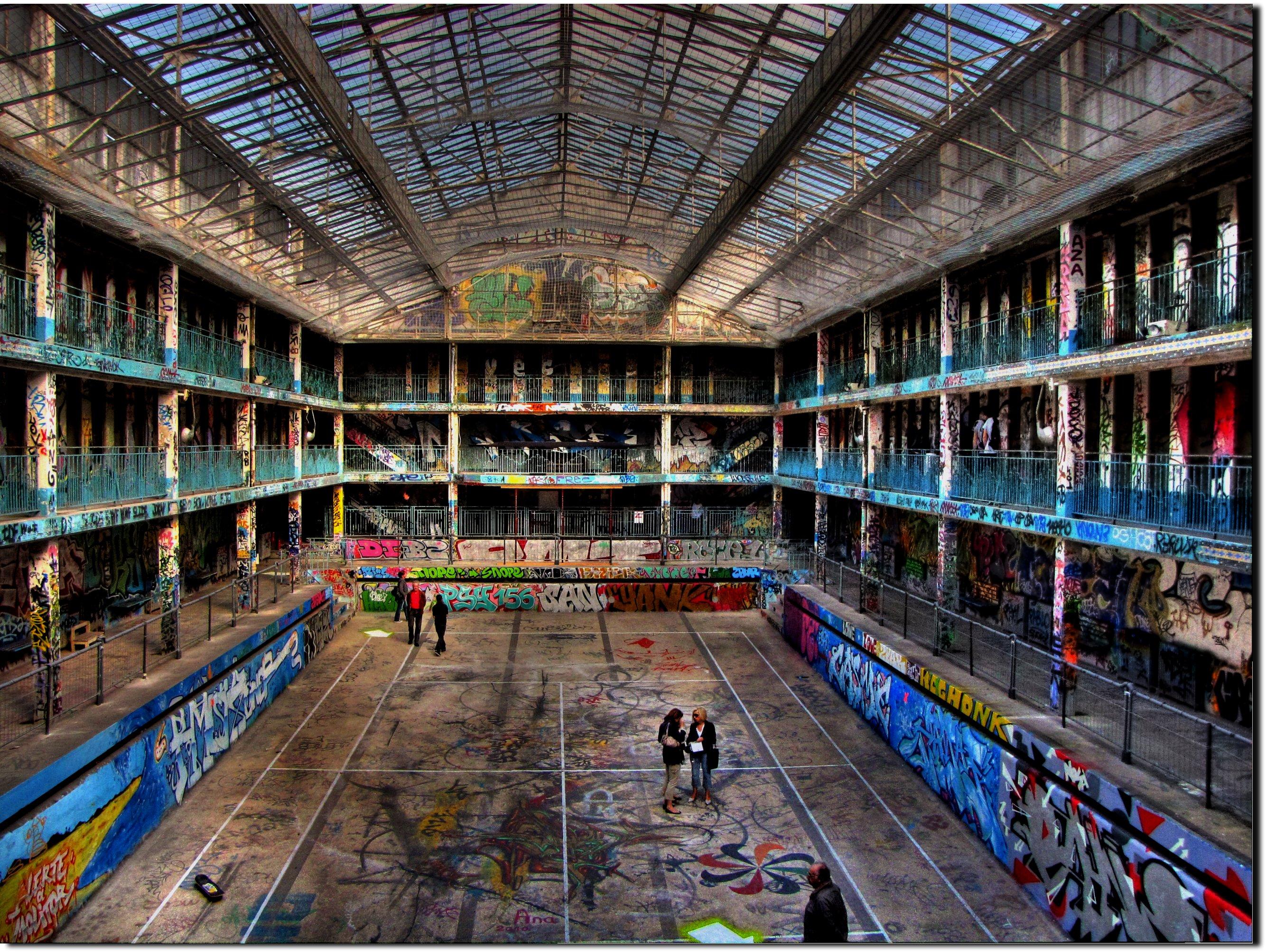 Riapre oggi la storica piscina molitor parigi grossomodo for Adresse piscine molitor