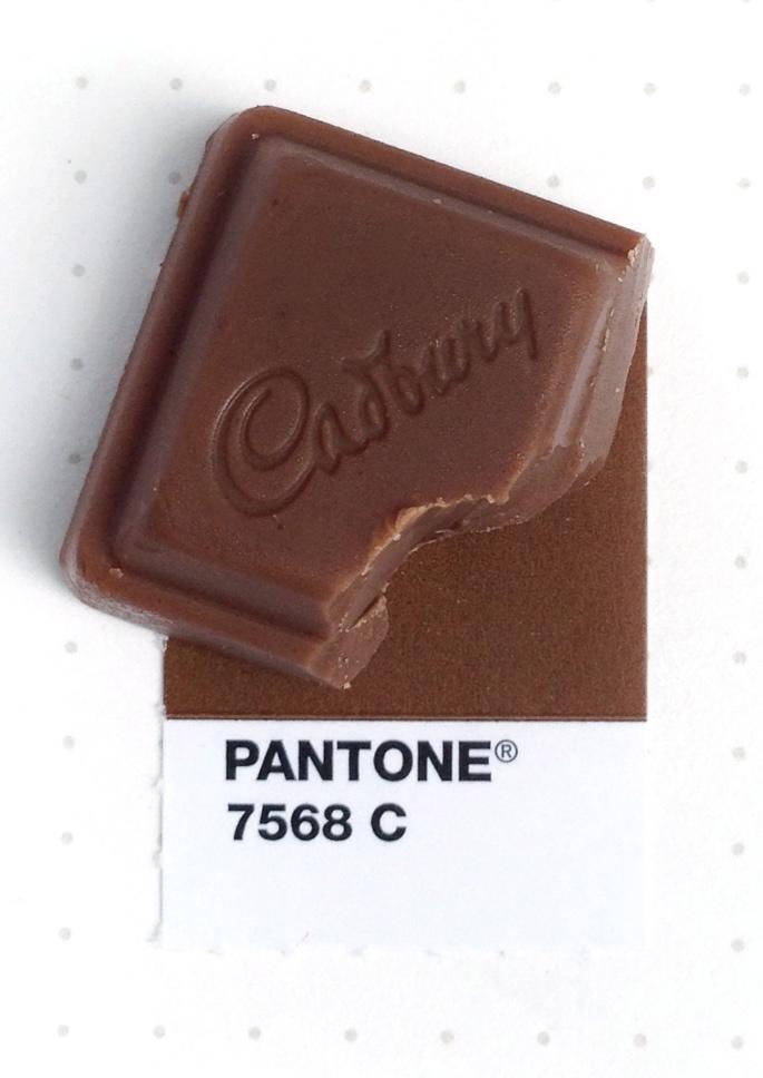 pantone cioccolato